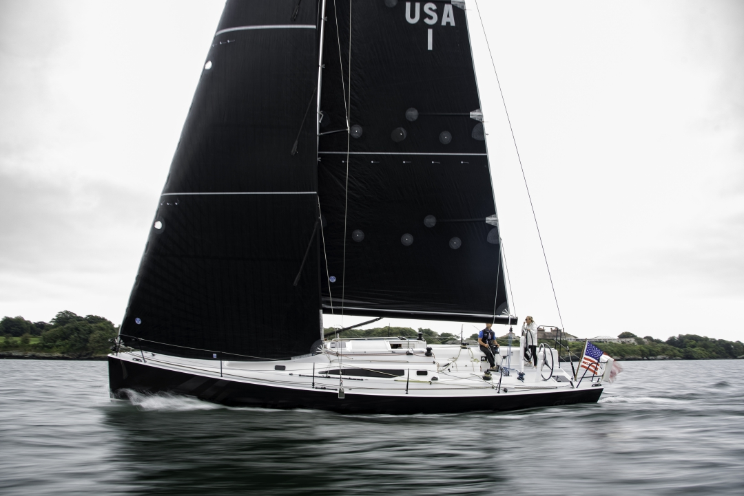 Images of new J/121 sailing in Newport -Rhode Island with Jeff Johnstone. Photography with brilliant colors and tack sharp details pop off the page or wall. This is a new j boat being put through her paces. ©Paul Todd/OUTSIDEIMAGES.COM OUTSIDE IMAGES PHOTO AGENCY